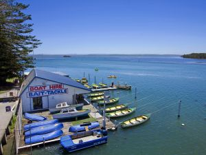 The Boathouse was built in 1927 to cater for the thousands of people wanting to take advantage of the beautiful Tuggerah Lake and to fish, prawn or just have fun in the sun.